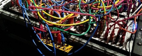 Tangled_cables_at_Tokyo_Festival_of_Modular_2013